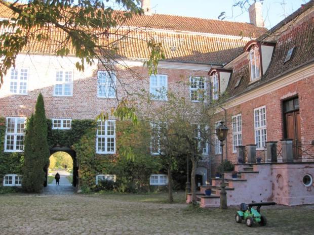 Svanholm's main building